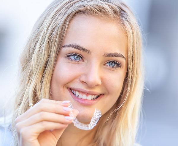 Invisalign-braces-are-very-comfortable-fulham-dental-centre